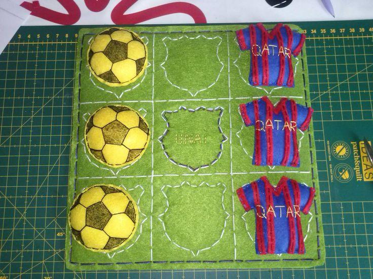 """TRES EN RAYA """"BARCELONA F.C."""""""