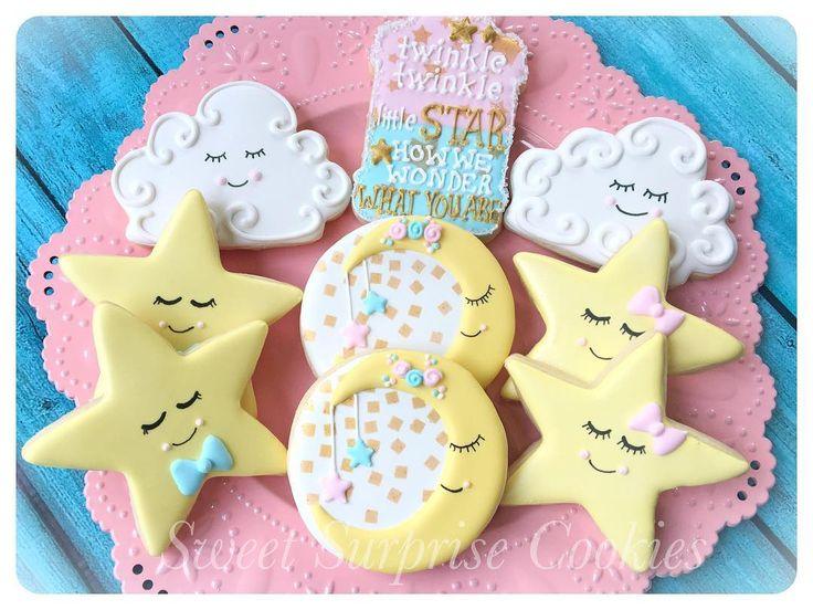 """173 Likes, 10 Comments - Kate Atsas (@sweetsurprisecookies) on Instagram: """"Gender Reveal Cookies """"Twinkle Twinkle Little Star How We Wonder What You Are"""". There must have…"""""""