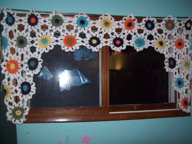 Crochet Flower Window Valance Pattern : 17 Best images about Crocheted flower curtains on ...