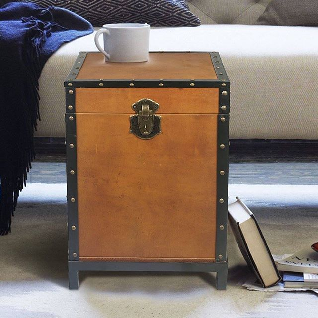 Add a bit of old world charm to any room with this functional and beautiful trunk made of real leather and steel.  #interiors #interiordesign #livingroomdecor #lifestylegoals #interiordecor #luxury #leather #leatherfurniture #furnitures #classy #classic #chic #handcrafted #handcraftedluxury #affordableluxury   @thehumbletree.com