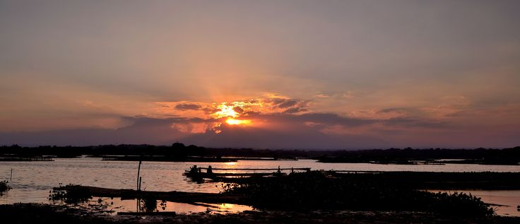 Cengklik is small dam which has beautiful sunrise and sunset. It locates at Boyolali regency near to Adisumarmo Airport