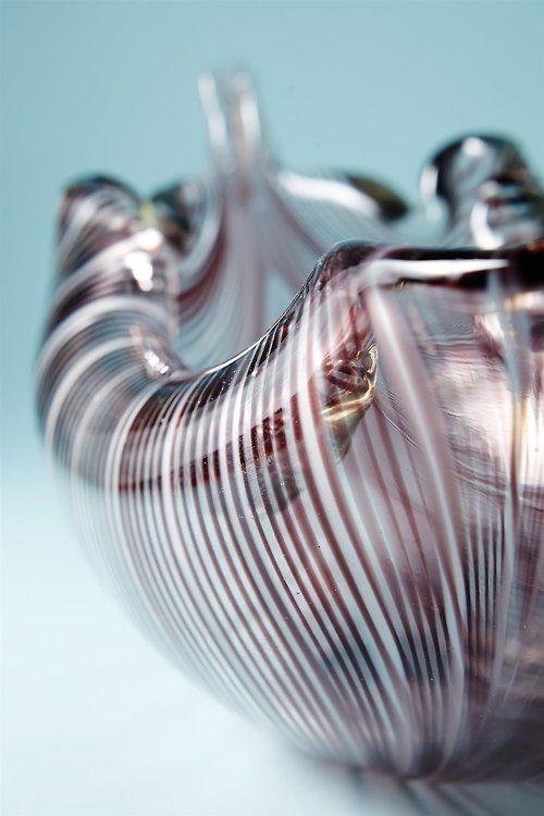 Tyra Lundgren, leaf bowl, 1950s. For Venini, Italy. Via Modernity.se