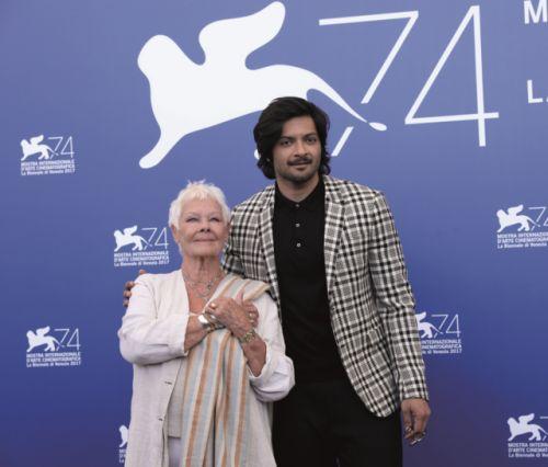 Фото с пресс-конференции фильма режиссёра Стивена Фрирза ВИКТОРИЯ И АБДУЛ (12+) с Джуди Денч в главной роли на 74 Венецианском кинофестивале.