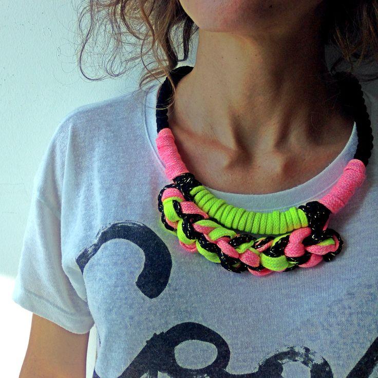 Fluor necklace