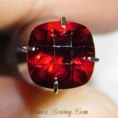 Garnet Merah Kotak Facet 1.75 Carat
