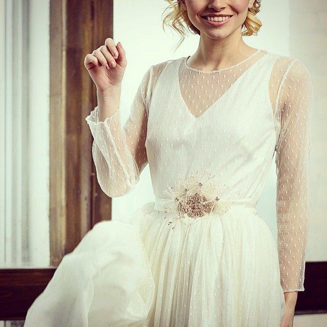 Невесомое свадебное платье из нежной шелковой сетки. В наличии 44 и 46 размеры. 100% шелк! #white #wedding #wedding_dress #wedding_inspiration #boho #bride #beauty #bohemian #bridal_dress #victoriaspirina #свадебныеплатья #свадебные_платья