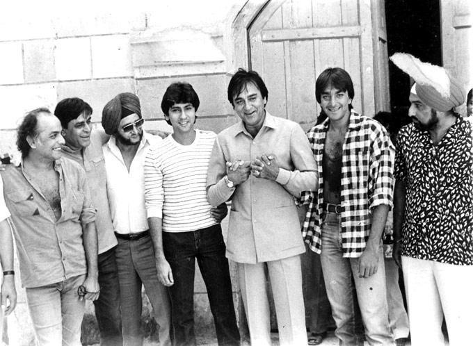 """Candid moment: check out this rare pic of Kumar Gaurav, Sunil Dutt and Sanjay Dutt from the sets of """"Naam"""". Can you tell us how these three were related to each other?"""