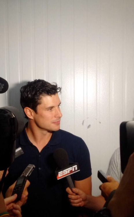sidney crosby being interviewed during the 2015 nhl media tour | pittsburgh penguins hockey #nhl