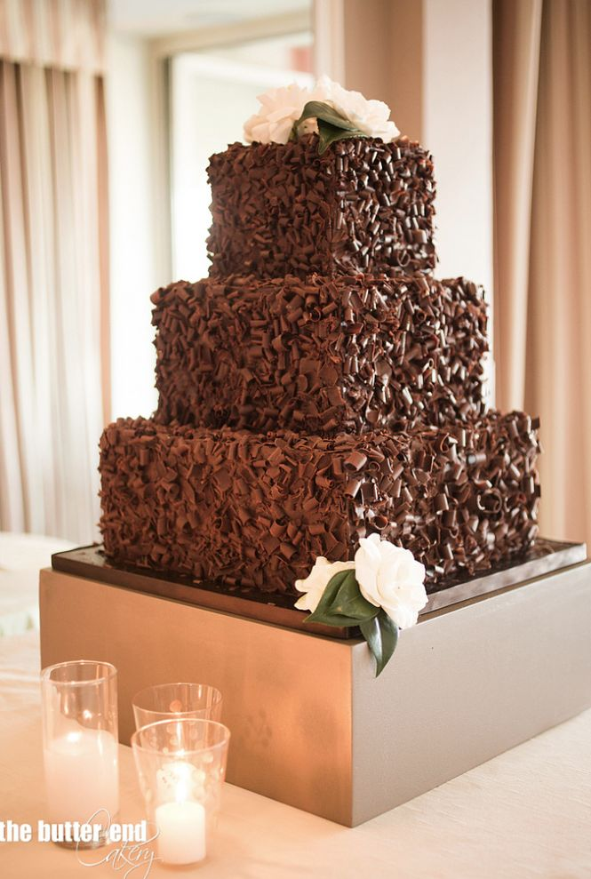 The Butter End Cakery; To see more gorgeous cake details: http://www.modwedding.com/2014/11/13/our-absolutely-favorite-wedding-cakes/ #wedding #weddings #wedding_cake