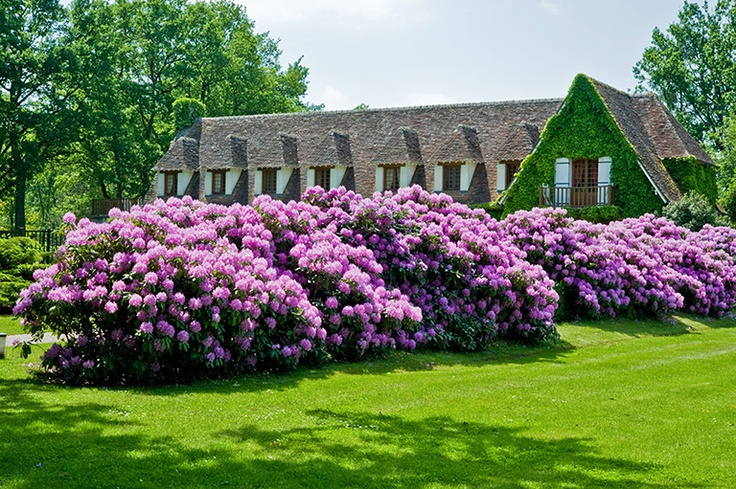 Relais & Chateaux - Back in 1954 the Dépée family turned this former post house into one of the first Relais & Châteaux properties. Auberge des Templiers - FRANCE  #relaischateaux #gardens