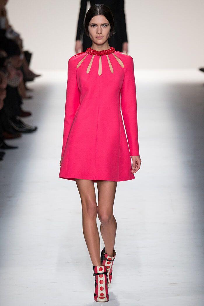 Платье А – силуэта  Изобретателем данной модели, является знаменитый модельер Кристиан Диор. В 1955 году на показе весенней коллекции под названием A-line collection он представил своё новое открытие.