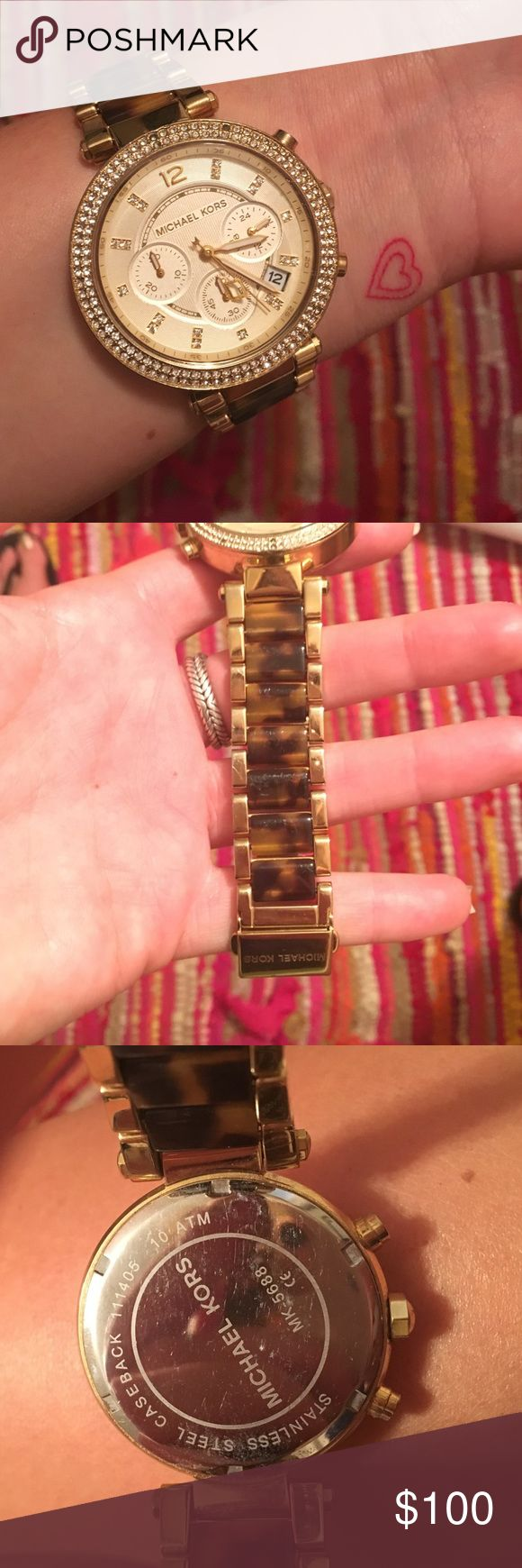Michael Kors tortoise shell watch Michael Kors tortoise shell watch with yellow gold. 100% AUTHENTIC. no box. in very great condition. only flaw is that it needs a new battery but I can replace that before I ship it😊 Michael Kors Accessories Watches