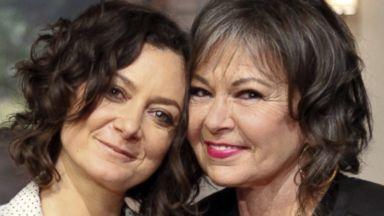 Sara Gilbert and Roseanne Barr Share Secrets From 'Roseanne' Set ...