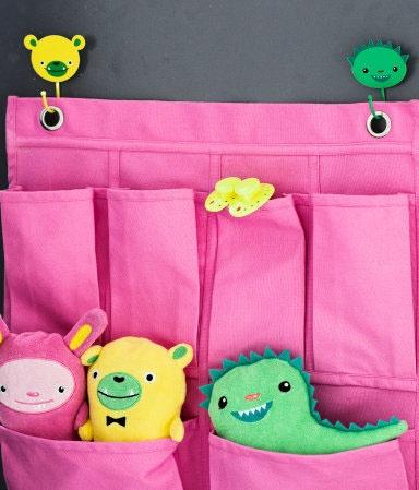 Kids H bedroom accessories