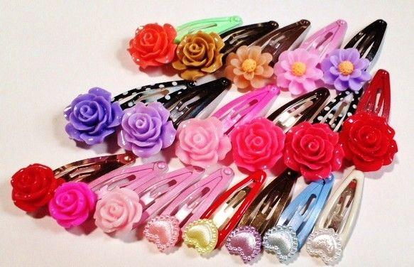 ■お花のカボション、パールカラーのハートパーツを使用したヘアピン(スリーピン・ヘアクリップ)です。中サイズ6点+小サイズ4点のセットになります。 組み合わせは... ハンドメイド、手作り、手仕事品の通販・販売・購入ならCreema。