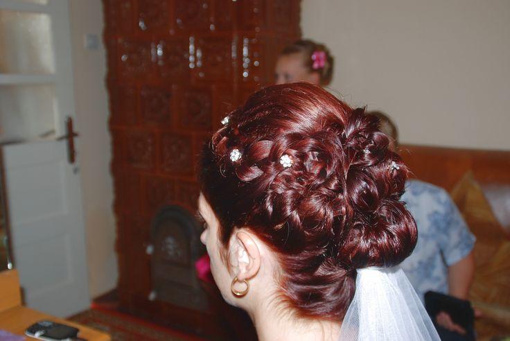Wedding hairstyle for medium hair with braides