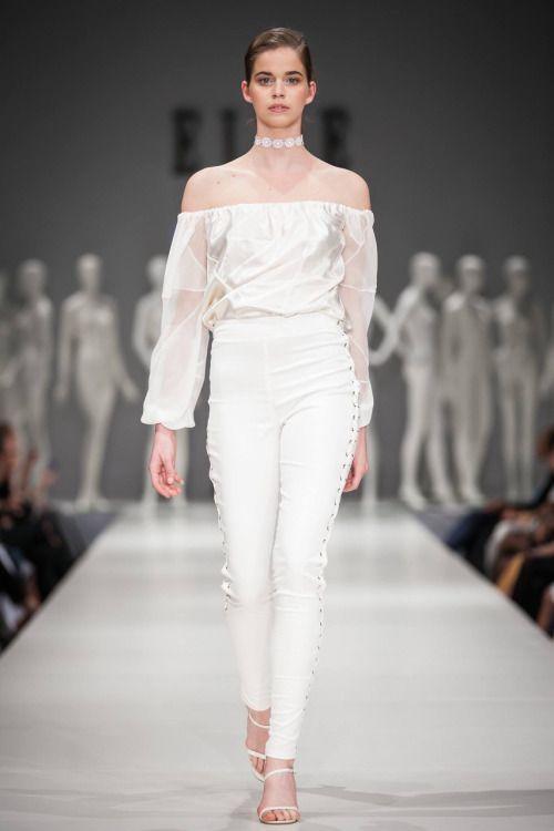 Nora Sarman / Elle Fashion Show / photo Endre Holecz