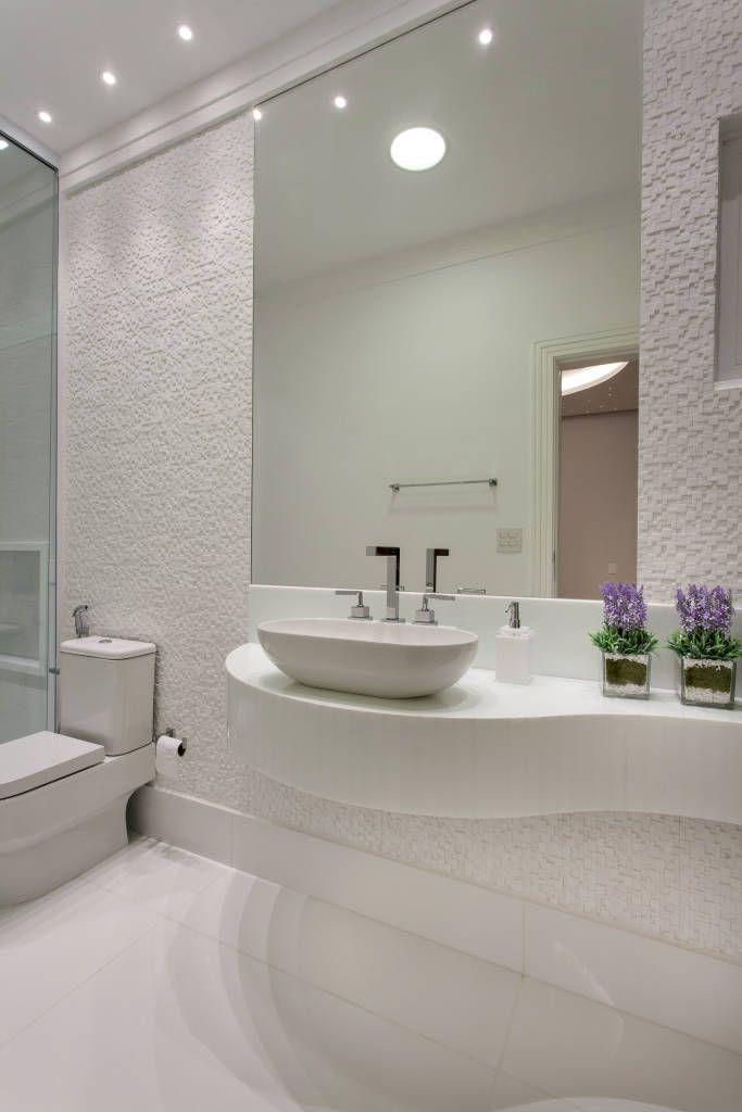 parede com decoracao - poderia fazer a parede da bacia dai espelho refletia