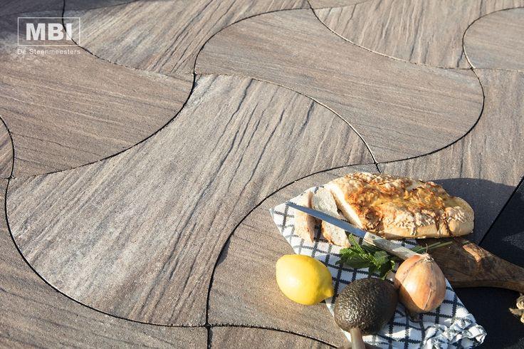 Buitentegel met ronde vormen #GeoPiazza-Vario #MBI #beton