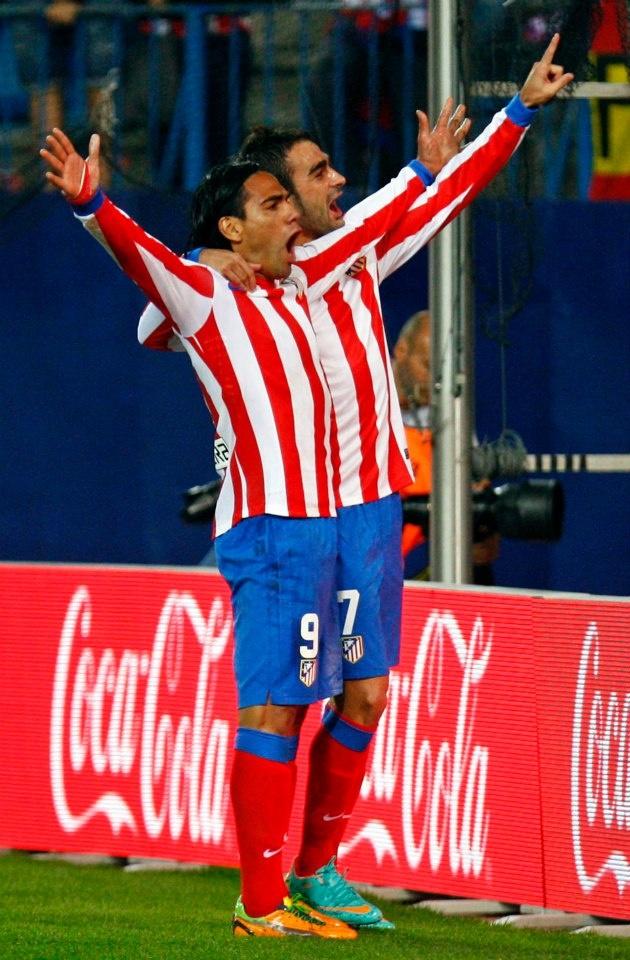 Así celebró Falcao junto a la tribuna el gol del triunfo frente al Málaga #Falcao #AtleticoMadrid #atleti