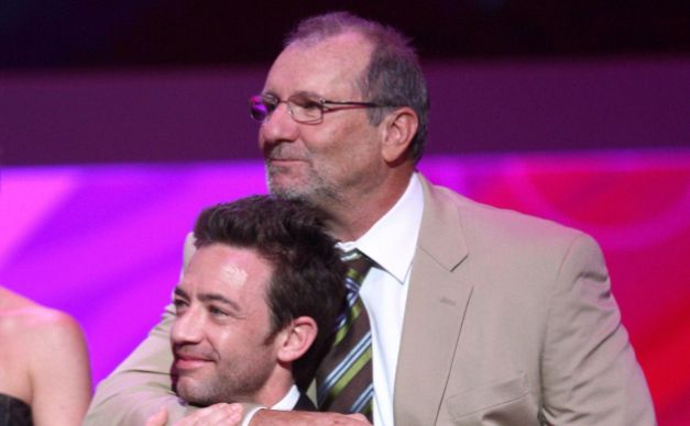 David Faustino Modern Family. ... David Faustino has worked with Ed O'Neill in the past.