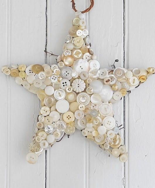 Button star. Note to self: do this with Megaw's vintage buttons?
