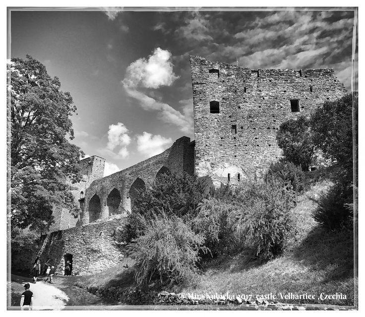 #castle #velhartice #history #hrad #heritage #architecture #oldcastle #2017 #today #trip #travel #holiday #sun #czechia #cesko #česko #ceskarepublika #czechrepublic #czech #myphoto #photo #photography #photos #old