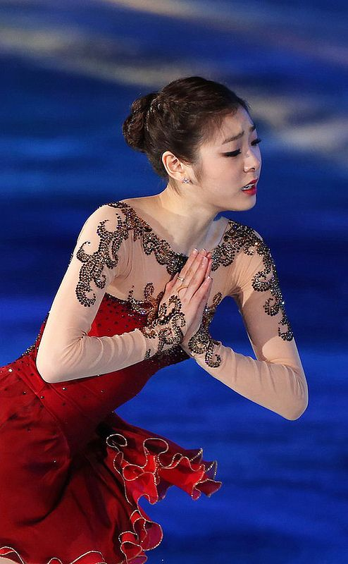 Love the shoulder decoration... All That Skate 2014 / Figure Skating Queen YUNA KIM