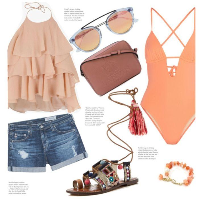 Strandmode Damen, rosa Oberteil, kurze Jeans Hosen, Sandalen mit Kristallen und Troddeln, Schwimmanzug in Lachs Farbe