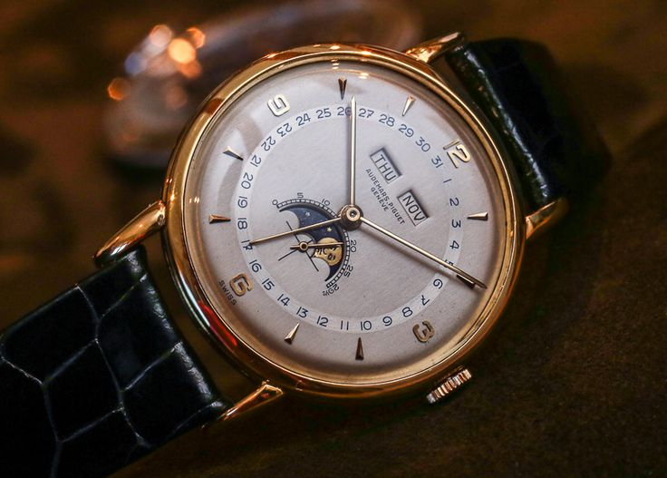 """BEST FROM: aBlogtoWatch & Friends July 18, 2014 - See our latest roundup on aBlogtoWatch.com """"This month, we learn about the history of LONGINES and also pay a visit to Audemars Piguet's manufacture in Le Brassus, as well as their high-end movement making facility in Le Locle, APRP (Audemars Piguet Renaud & Papi). As for new watches, we check out F.P. Journe's unusual Octa Sport, OMEGA's new X-33 Skywalker and also Christopher Wards spanking new Harrison C9 5-Days Automatic..."""""""