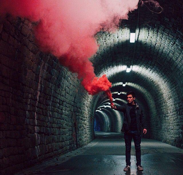 Hipster Girl Wallpaper Smoke Bomb Iii Świece Dymne Smoke Photography Smoke