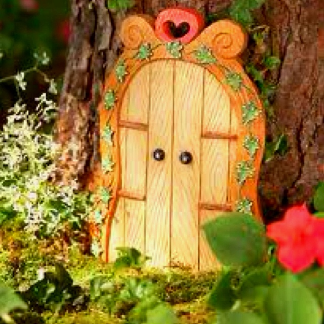 114 best doors for elves gnomes and dwarves images on for Elf fairy doors