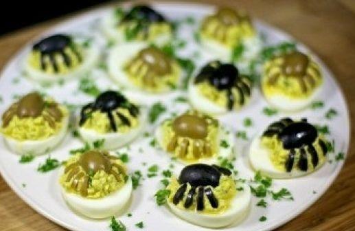 Фаршированные яйца «Веселые паучата»