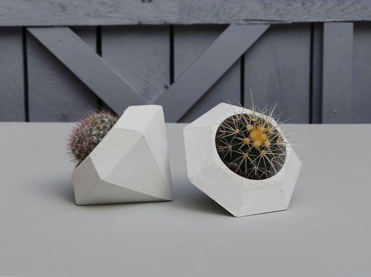 geometrischer beton blumentopf diamant bertopf industriell und produkte. Black Bedroom Furniture Sets. Home Design Ideas