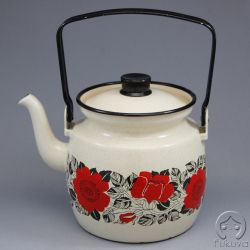 Finel Teapot with red flowers