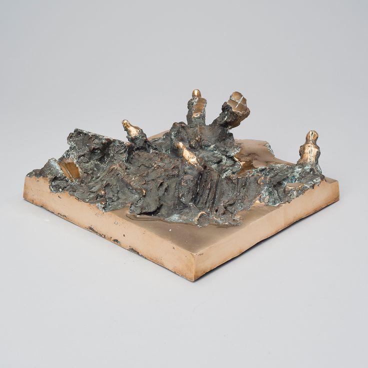 Tapio Junno: Materiaalin voima, 1987, pronssi, 31x36x12 cm - Bukowskis F179