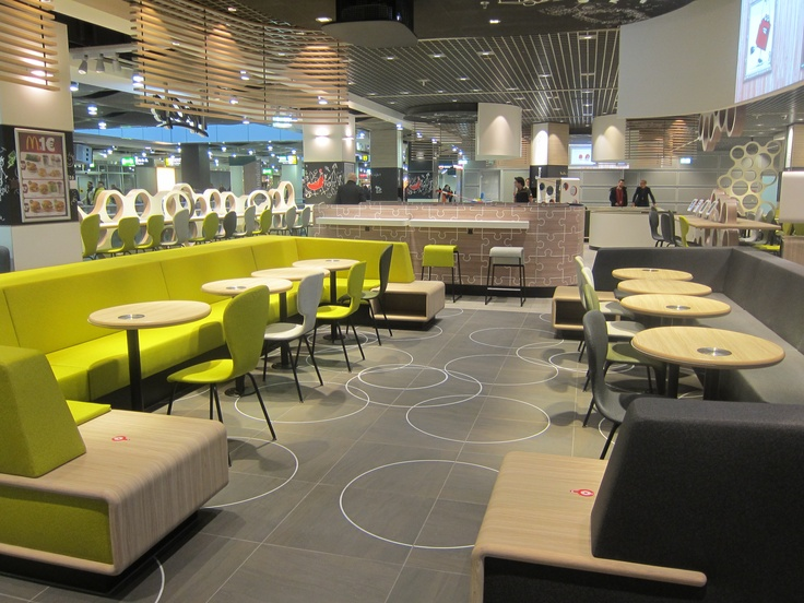 Newly renovated McDonalds in Dusseldorf with PowerKiss wireless charging installed