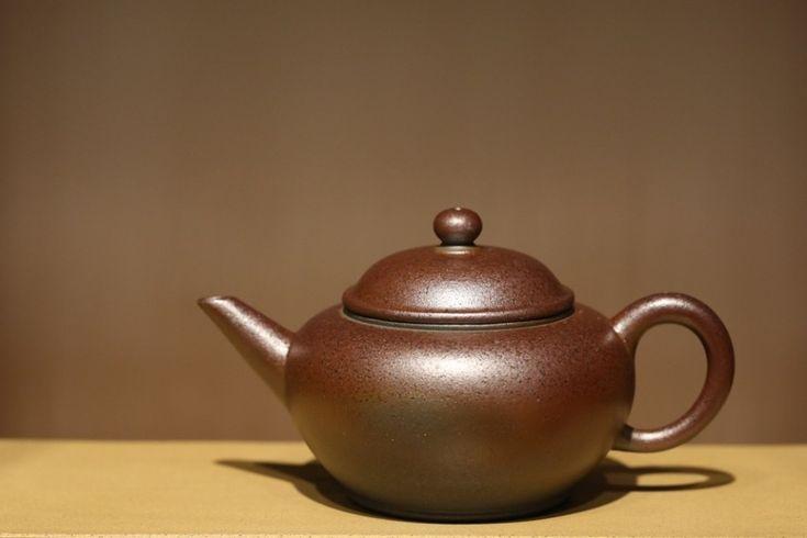 Shuiping Woodfired Yixing Teapot #shuiping #woodfiredteapot #woodfired #yixing #zisha #yixingzisha #yixingteapot #zishateapot #zini #yixingcrew #kungfuteapot #kungfutea #teatime #tea #china #chinesetea