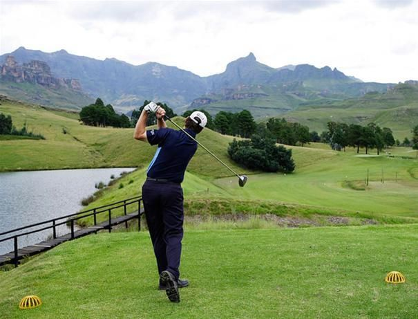 The Drakensberg mountains boast a number of world class Golf Courses.