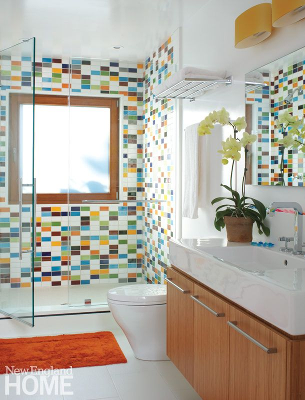 В ванной комнате бассейн характеризуется веселая плитка в забавный узор.