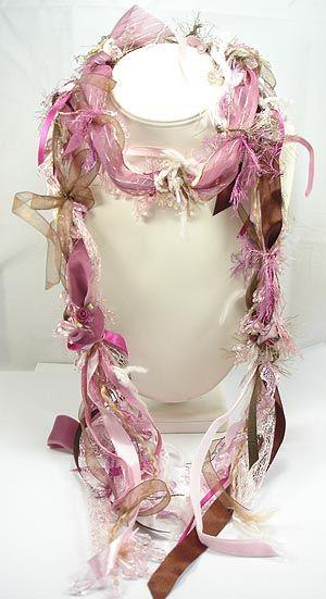 ooooohh....a beautiful pink ribbon scarf