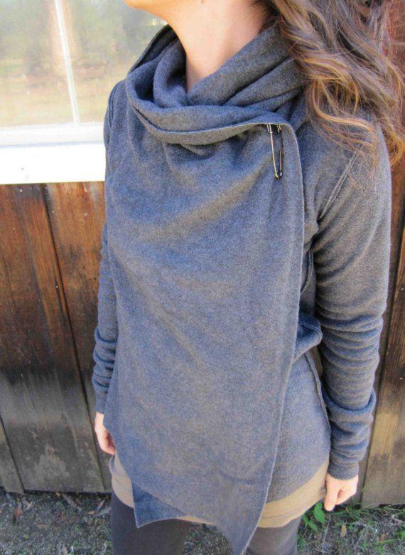 fleece yoga wrap....can be worn 5 different ways por MeandD en Etsy, $95.00