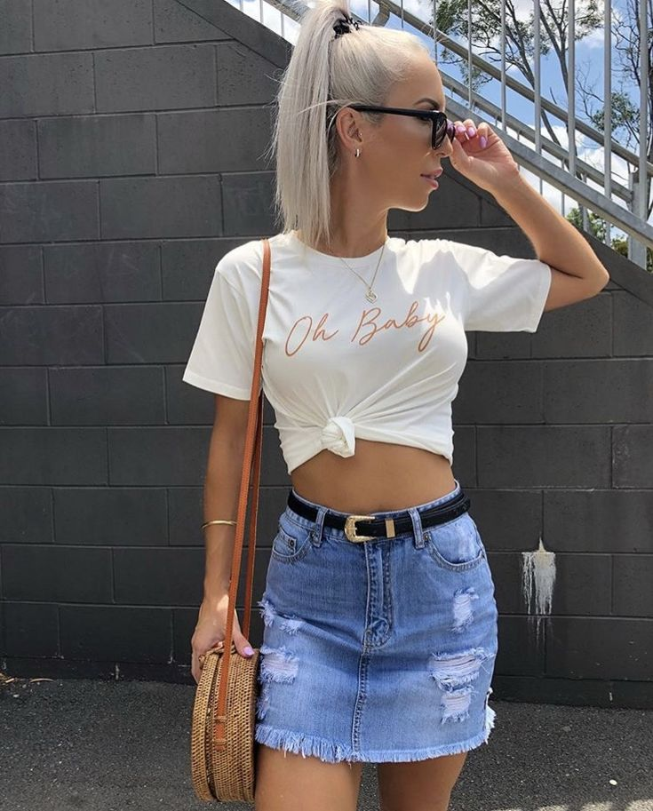 Mega babe @holly_dollyy nailing cool weekend style in the oh baby tee >>> https://www.urbansport.com.au/home/752-oh-baby-tee.html teamed with the Alessio skirt >>> https://www.urbansport.com.au/home/765-alessio-blue-denim-skirt-with-fringing.html   #urbansport #fashion #denim #skirt #denimskirt #tee #graphictee #weekendstyle #shop #fashionblogger #fashionista #fashionstyle #style