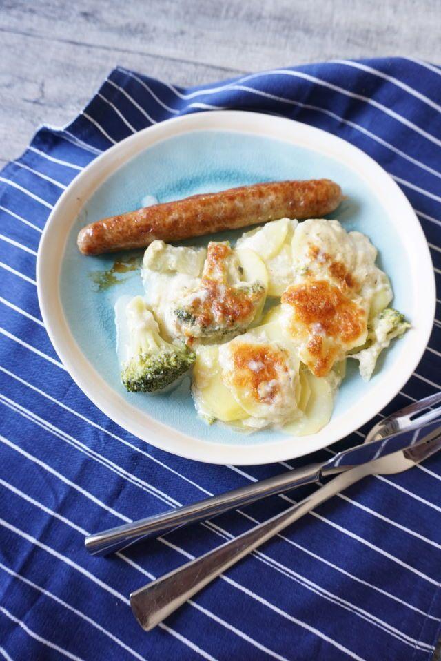 Teller mit Bratwurst und Kartoffelgratin - BLW Rezept und Familiengerichte