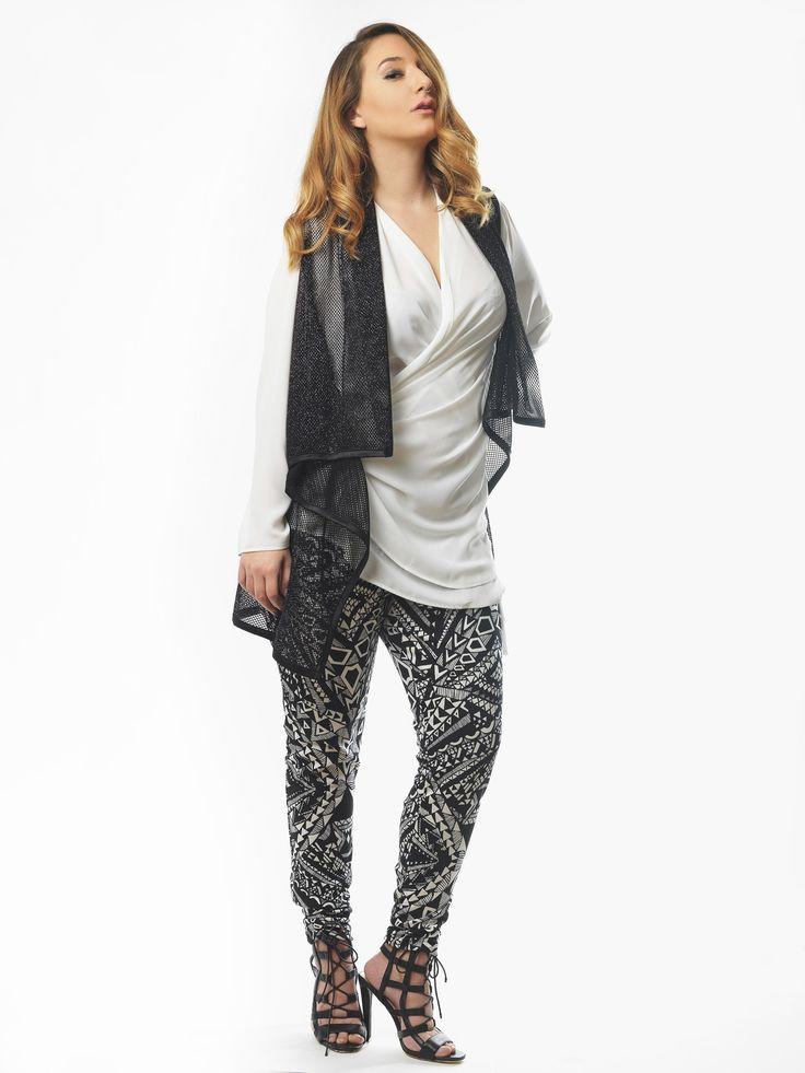 Perfect X-mas! #Sexy #woman #fashion #curvy #plussizefashion #shopping #christmasday  www.happysizes.gr