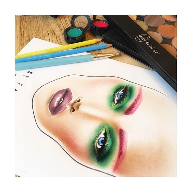 Colour fun with My Face™ #facechart by My Kit Co.™ Available to purchase in packs of 15 or 30 at ⭐️www.mykitco.uk⭐️ #makeup #makeupkit #facechartart #artofthechart