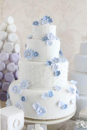 女の子が大好きな 可憐でかわいらしい 優しいケーキ  上品な色合いが ウェディングにぴったり  株式会社ウェディングファクトリー http://www.weddingpartyfactory.com/