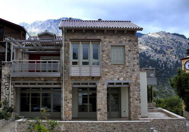 Κτίριο κατοικιών ορεινής διαμονής στον Παρνασσό, Micro Team Architects