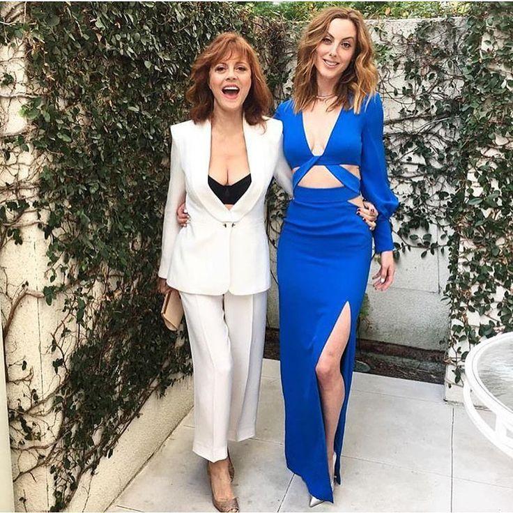 69-летняя Сьюзан Сарандон одевается откровеннее, чем ее 30-летняя дочь : Сьюзан Сарандон и Эва Амурри-Мартино / фото 1