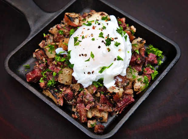 Corned Beef Hash with a Poached Egg. Using Alexia Oven Reds to speed up the process.Breakfast Brunches, Corn Beef, Chunky Corn, Ovens Red, Corned Beef, Yum, Beef Hash, Poached Eggs, Irish Corn